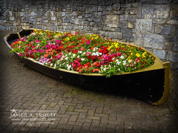 boat flower planter