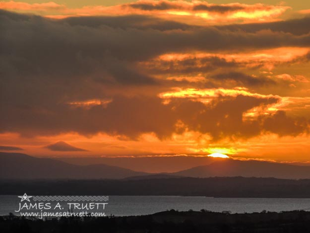 Sunrise Christmas Eve Morning over River Shannon