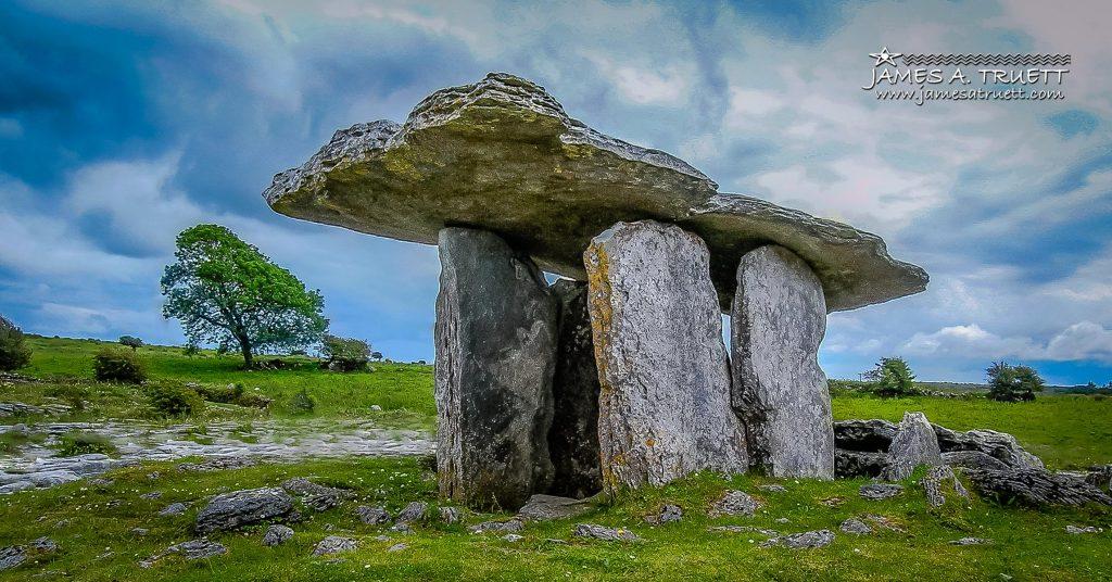 Poulnabrone Dolmen, Burren